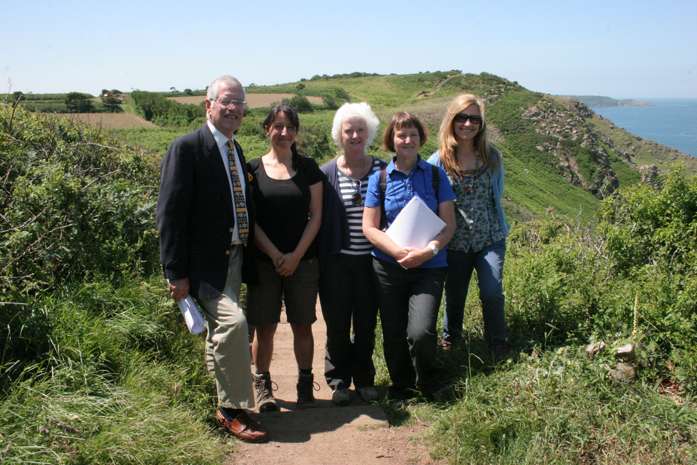 The judges for the Insurance Corporation Conservation Awards and BOTE Project Officer Cristina Sellarés at the conservation fields in the north coast.