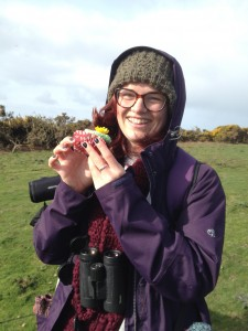 Jen sampling gorse cupcakes. Photo by Harriet Clark.
