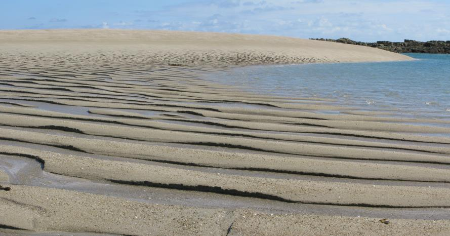 le-gris-banc-a-sandbank-at-les-minquiers-which-has-moved-300-metres-during-the-past-decade